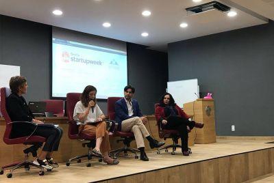 Sesión sobre Emprendimiento e Innovación
